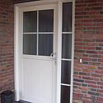Voordeur met glasroedes Lemelerveld