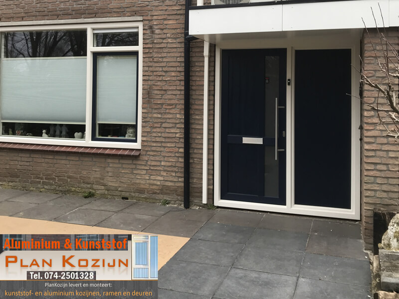 Voordeur met zijdeel Postma Hengelo