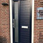 Voordeur van Gealan uitgevoerd in Realwood Staalblauw